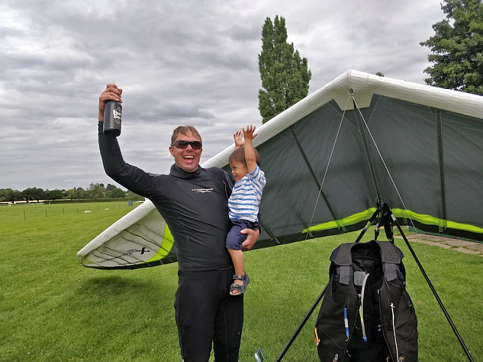 Carl Wallbank Celebrates UK flexwing hang glider triangle record